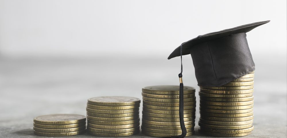 US Students Affected by ALS Can Apply for Scholarships Until May 24
